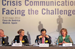 Image of the Director General of the Directorate of Strategic Communications, gave a presentation at the workshop on communication situations Crisis in Madrid, Spain.