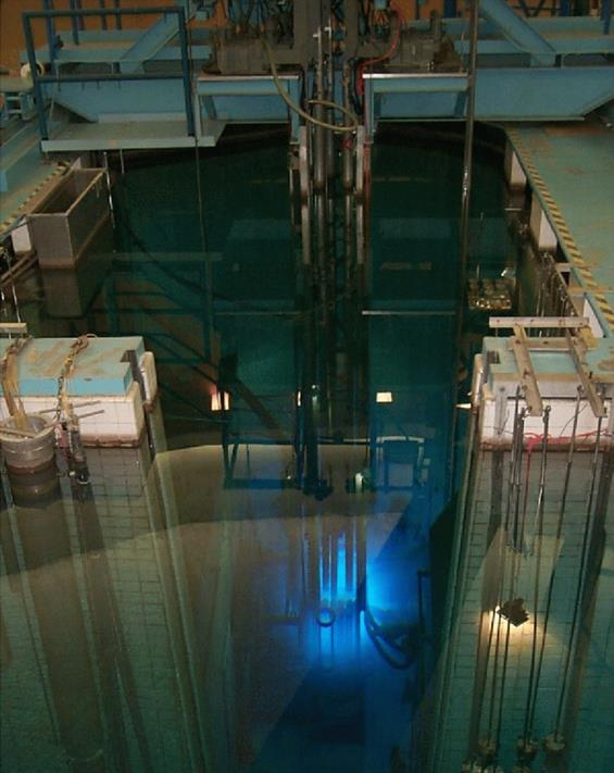 This picture shows an overhead view of the McMaster Nuclear Reactor
